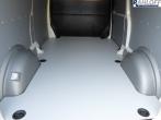 T5 / T6 Boden mit überbauter Trittstufe im Einstiegsbereich der Schiebetür - L2